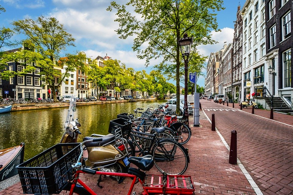 Amsterdam 2261212 960 7201
