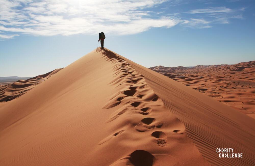 hiking dunes in the sahara