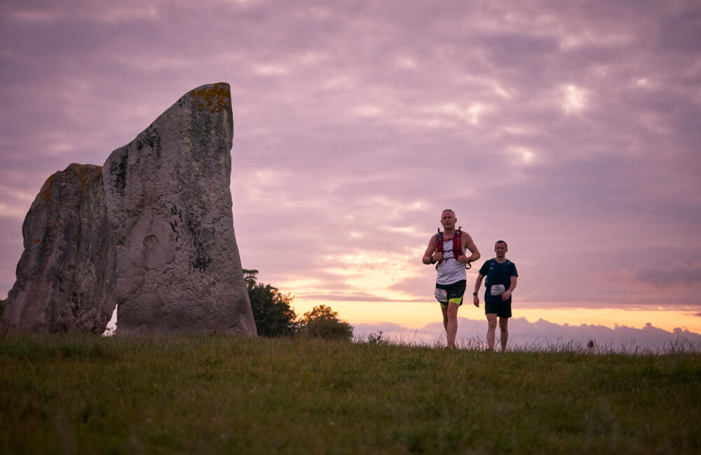 Runners in avebury